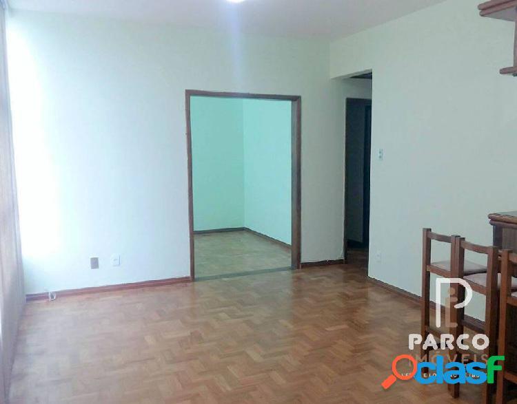 Apartamento com elevador e 03 quartos a venda no gutierrez