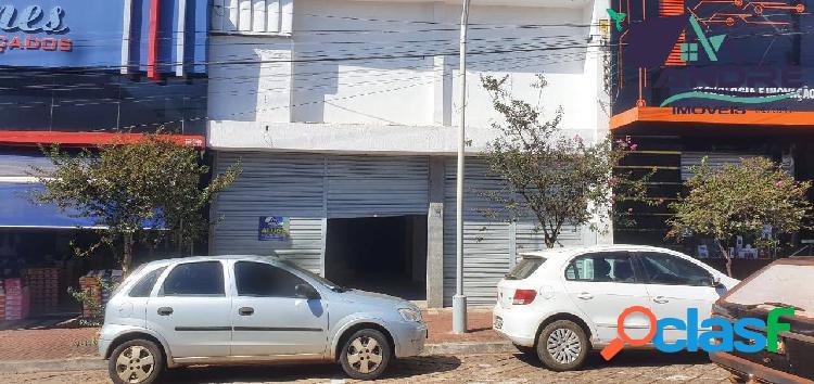 Imóvel comercial, 384m², no Centro, Piraju/SP.