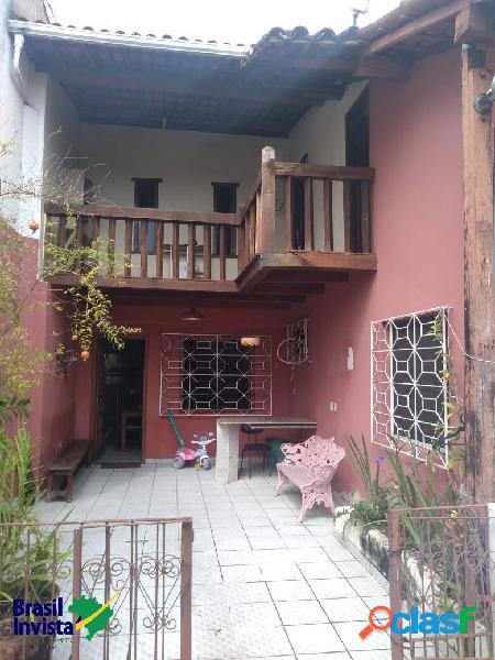 Casa duplex no centro