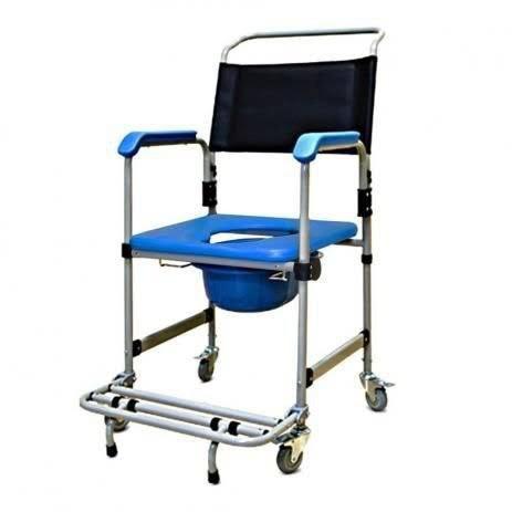 Manutenção de cadeiras de rodas e camas hospitalares.