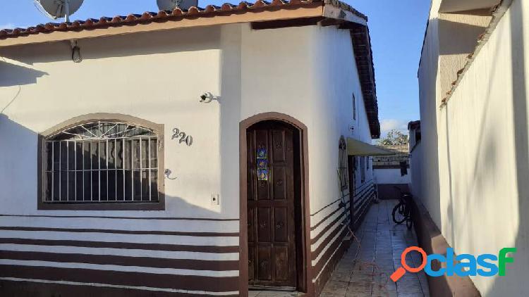 Casa conservada=rua c/ asfalto=comercio local=moradores=itanhaém=s/p