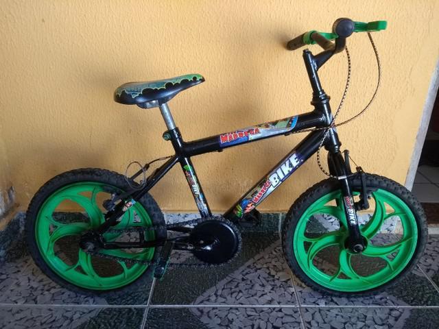 Bicicleta infantil semi nova