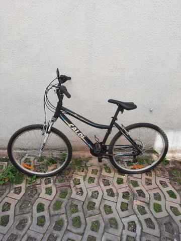 Bicicleta semi-nova. excelente estado de conservação.
