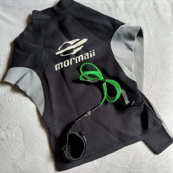 Camiseta surf mormaii + leash bwx em boas condições