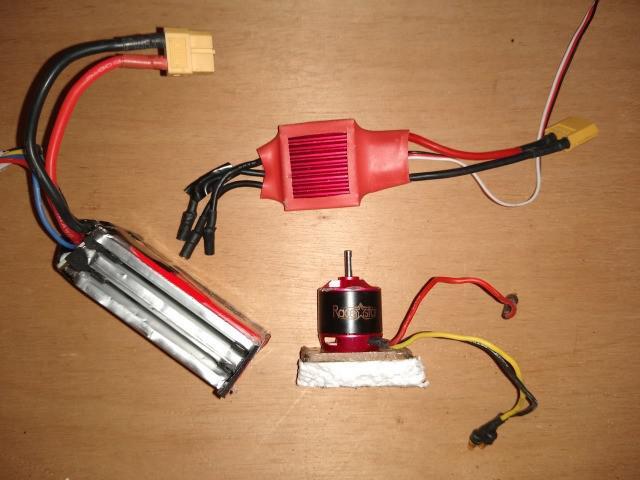 Kit: motor racestar br2830 + esc 50a red brick + bateria 3s