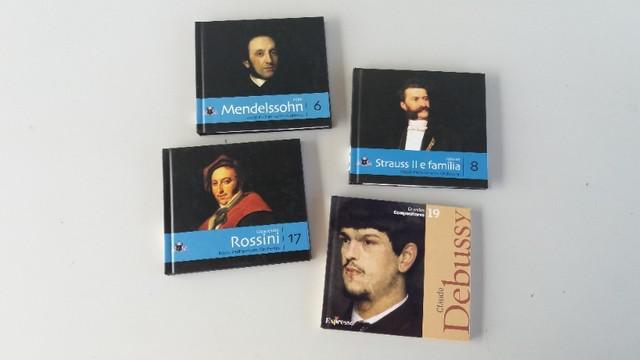 Pacote 04 cds clássicos: álbuns com textos, desenhos e