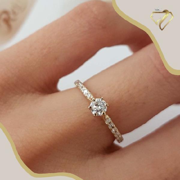 Anéis solitário / noivado em ouro 18k