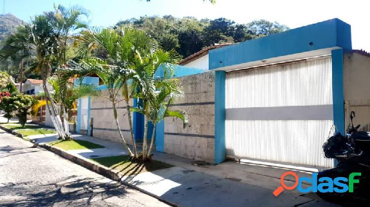 Amplia casa trigal norte calle cerrada remodelada 70% 397 mts2
