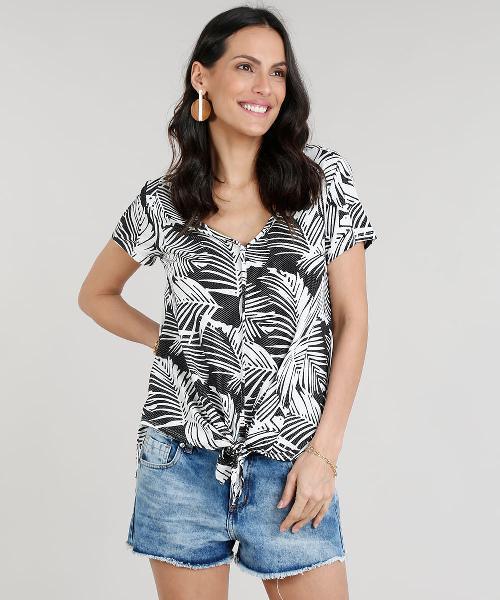 Blusa feminina estampada de folhagens com nó manga curta