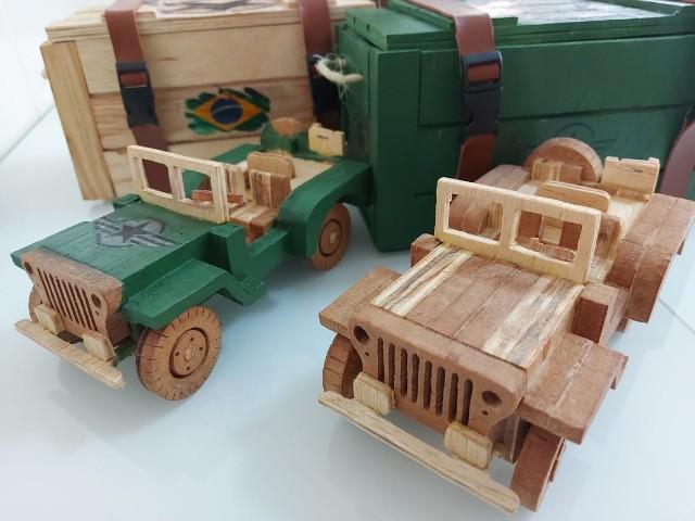 Jeep militar - carrinho de madeira