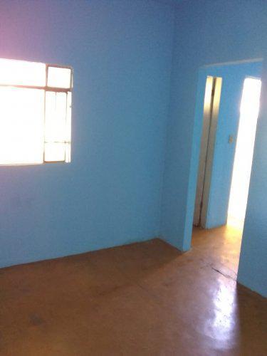 Alugo barracão quarto grande no bairro são gabriel