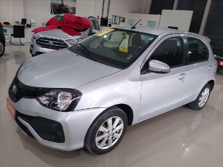 Toyota etios 1.5 x plus 16v prata 2018/2019 - brasília