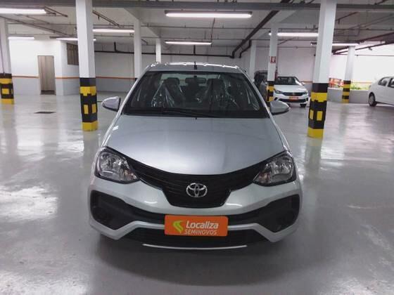 Toyota etios 1.5 x plus 16v prata 2019/2020 - goiânia