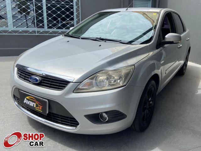 Ford focus sedan ghia 2.0 16v