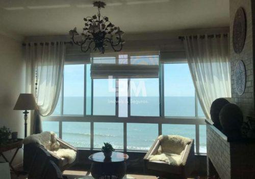 Apartamento frente mar meia praia, linda vista para a praia,