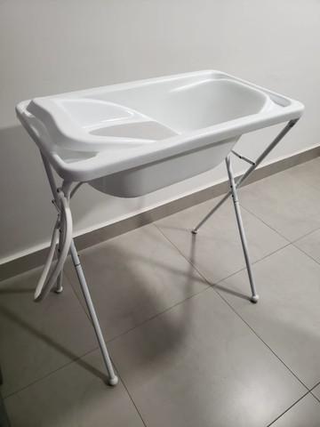 Banheira de bebê plástica galzerano com redutor - usada