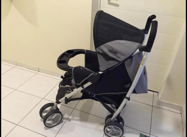 Carrinho bebê travel system com bebê conforto e base para