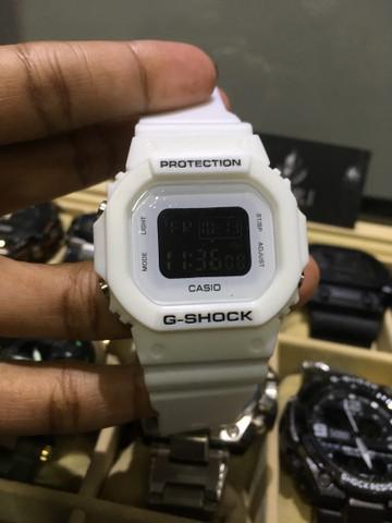 Relógio g shock todo branco