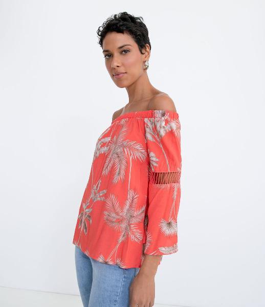 Blusa ciganinha em viscose estampa coqueiros
