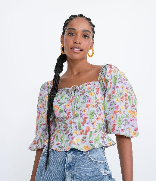 Blusa peplum em tricoline com manga 3/4 estampa floral e