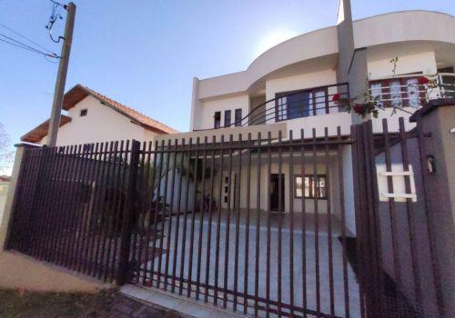 Soares assessoria imobiliária vende excelente casa no