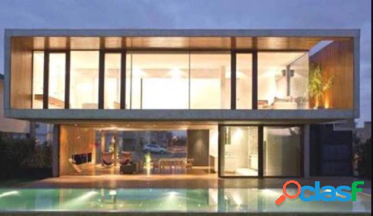 Casa nova no centro de alphaville.