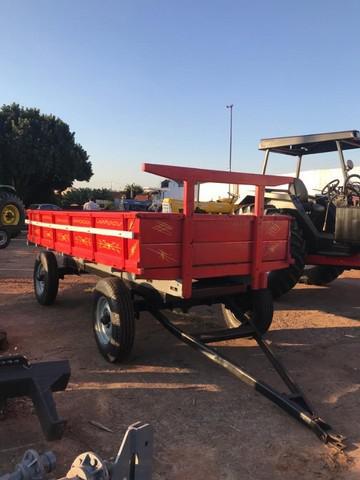 Carreta agrícola 4 rodas - 6 toneladas - seminova -