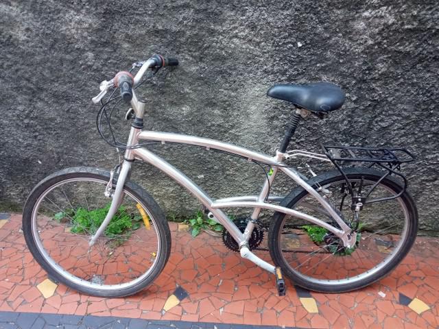 Bicicleta caloi aluminio usada