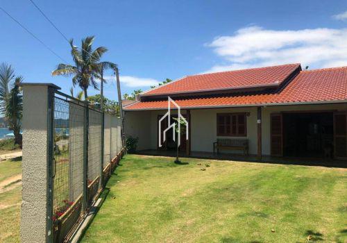 Linda casa frente mar com 125m² por apenas r$800.000,00 em