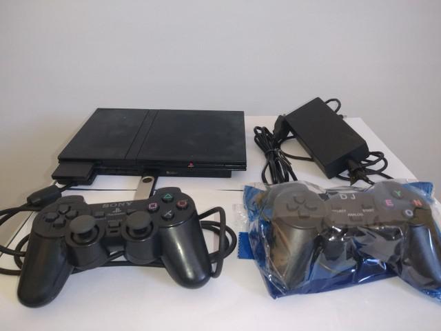 Play station 2 com 2 controles e jogos