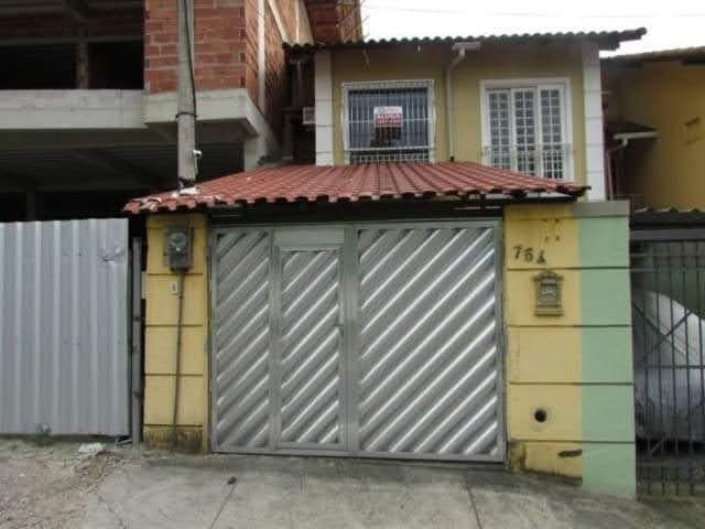 Alugo casa duplex,03 quartos. centro, nova iguaçu/rj