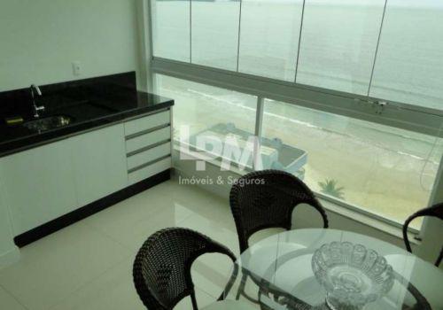 Apartamento frente mar,meia praia, 03 suites com ar,03 vagas