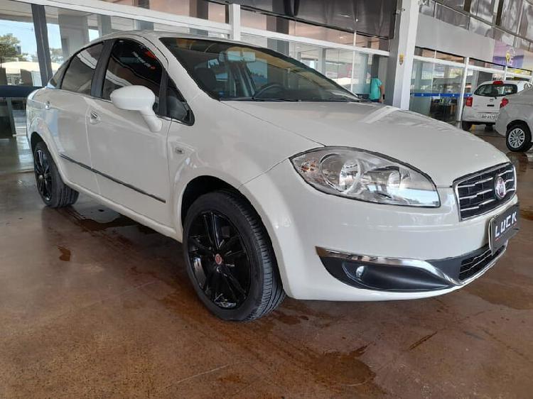 Fiat linea 1.8 essence 16v branco 2014/2015 - brasília