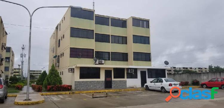 77 m2. apartamento en venta buenaventura los guayos
