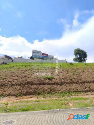 Terreno em aclive à venda Condomínio Reserva do Parathey, 900 m² 2