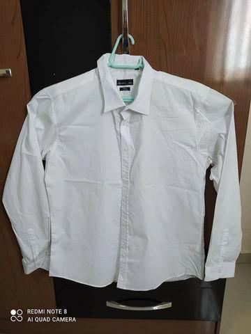 2 camisas seminovas (ac. cartão)