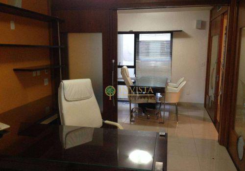Excelente sala toda equipada para uma clínica no centro de