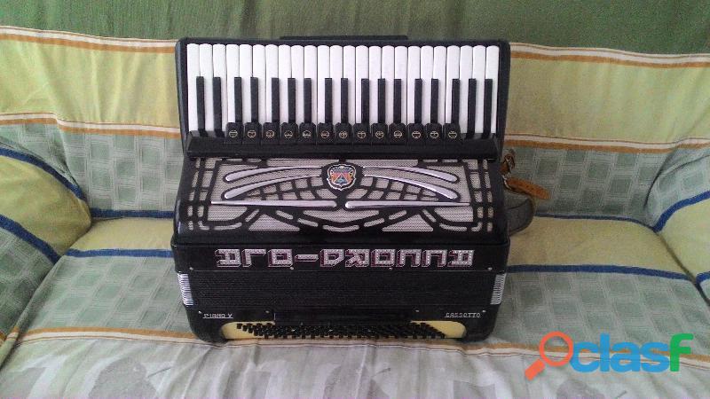 Acordeon de 120 baixos Marca accordiola c/ Ducplo Cassoto
