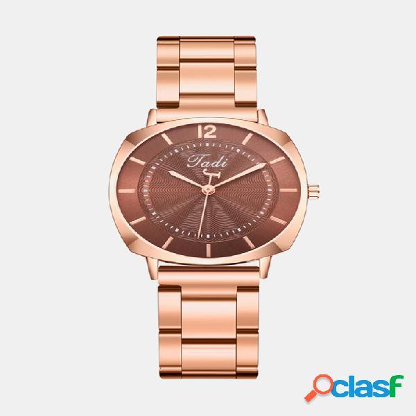 Relógio de pulso feminino elegante e moderno em ouro rosa Caso fecho dobrável Banda relógios de quartzo
