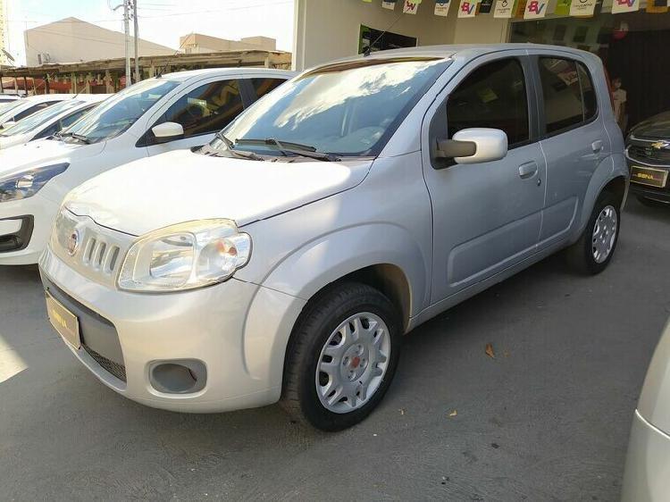 Fiat uno 1.0 evo vivace 8v prata 2014/2014 - goiânia