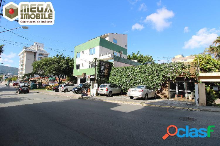Ampla casa comercial no bairro trindade, a 1 quadra da beira mar