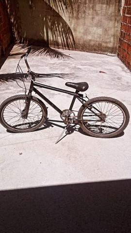 Bicicleta aro 24 em perfeito estado!