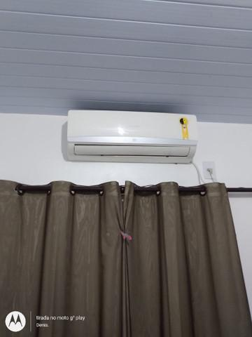 Ar condicionados springer 02 seminovos 12.000 btus.