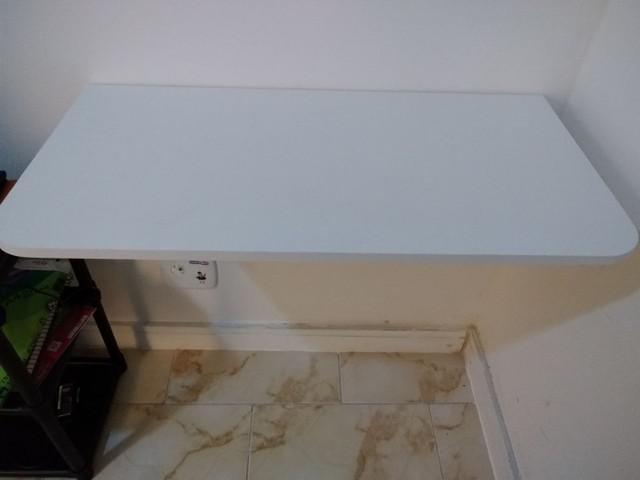Mesa dobrável branca