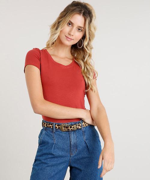 Blusa feminina básica manga curta decote redondo vermelha