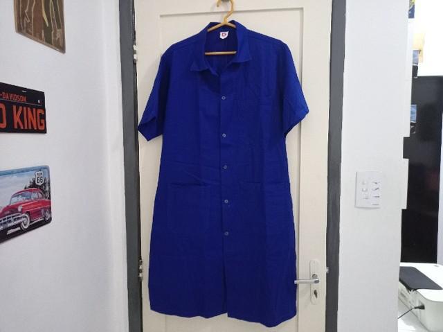 Jaleco longo manga curta 3 bolsos azul mecânico