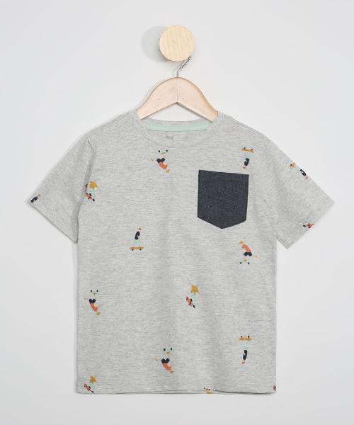 Camiseta infantil estampada manga curta de skatistas com