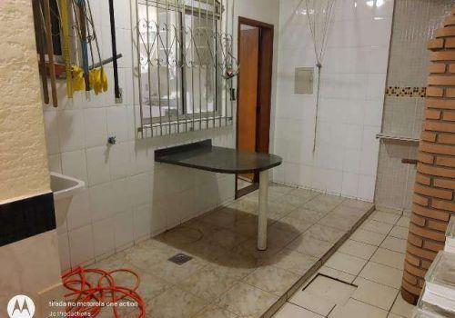 Apartamento três quartos fernão dias
