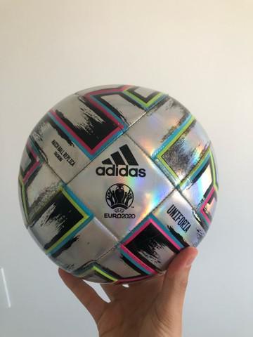 Bola de futebol adidas euro2020