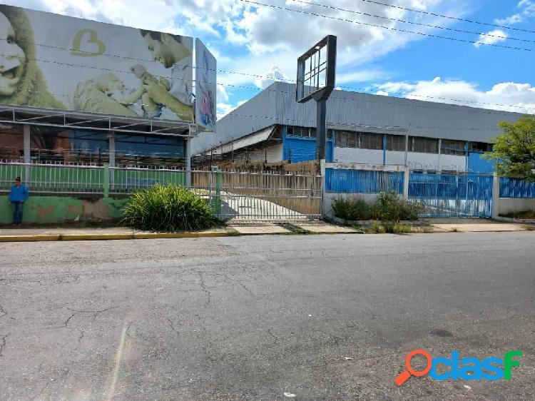 Galpón de depósito en alquiler castillito zona industrial